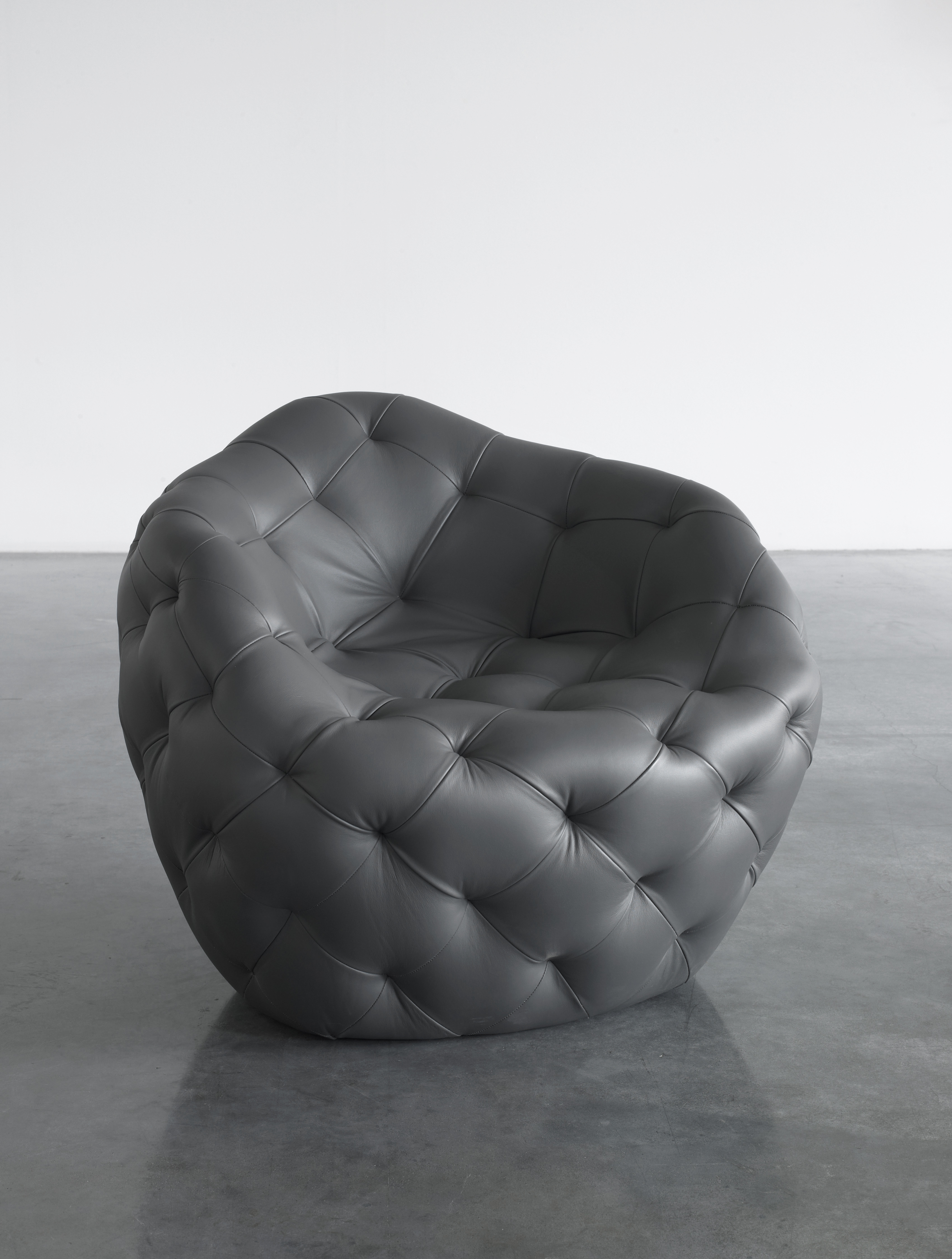 Spherical Bomb Armchair (Dark Gray)
